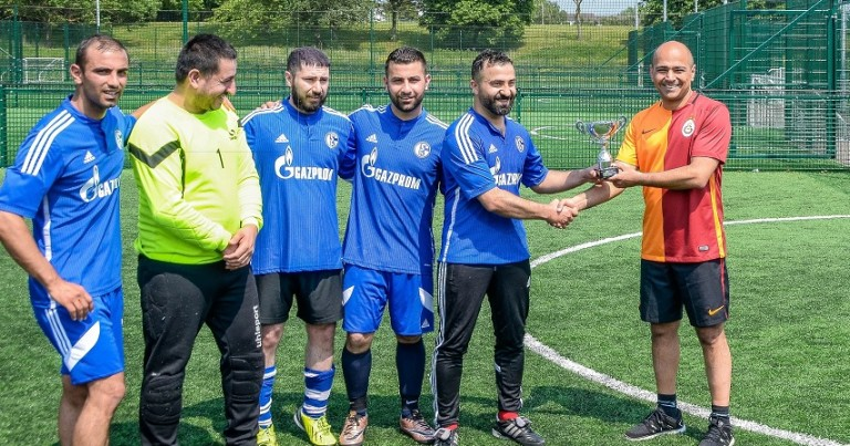 5 E 5 a side champions are Öz Gürün FC